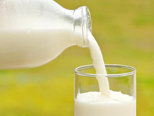 牛乳は賞味期限切れ後いつまで飲める?開封後と未開封での違いは?