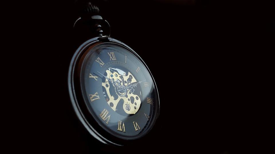 クロノスタシス現象の意味とは?時計の秒針が止まって見えるって本当?