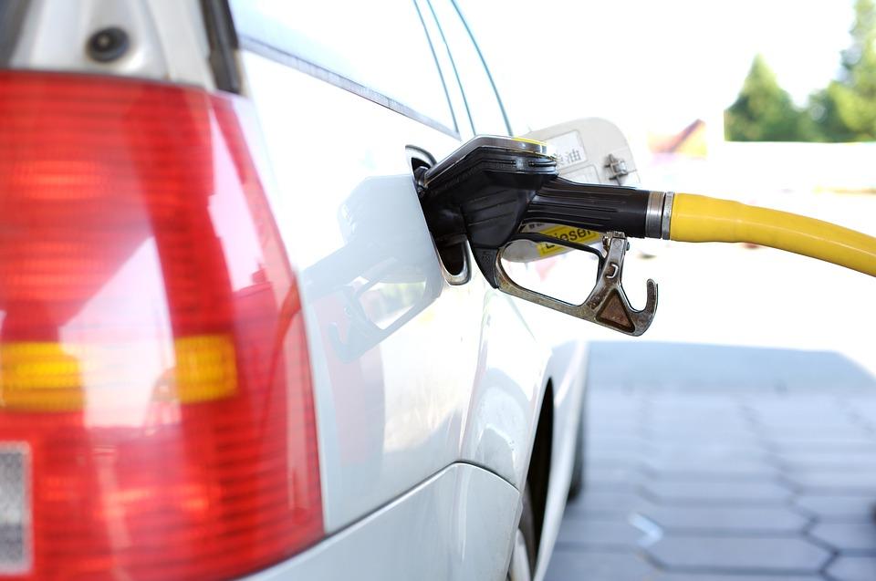 ガソリンが高い3つの理由!この値上がりはいつまで続くのか…