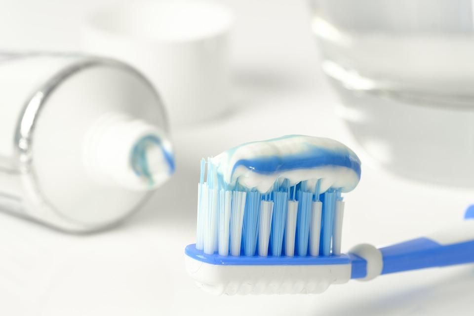 歯磨き粉の使用期限は未開封でいつまで?メーカーによっても違う?