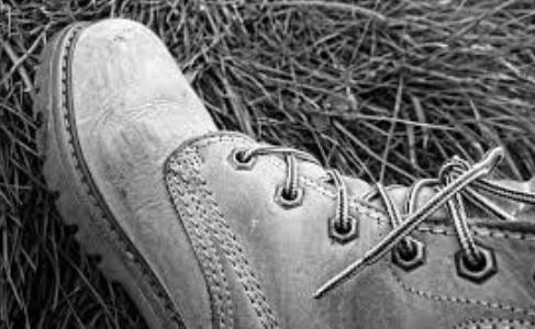 靴の正しい捨て方は?分別方法とゴミの出し方について